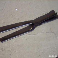 Antigüedades: ANTIGUO RIZADOR DE PELO R12-2. Lote 194932081