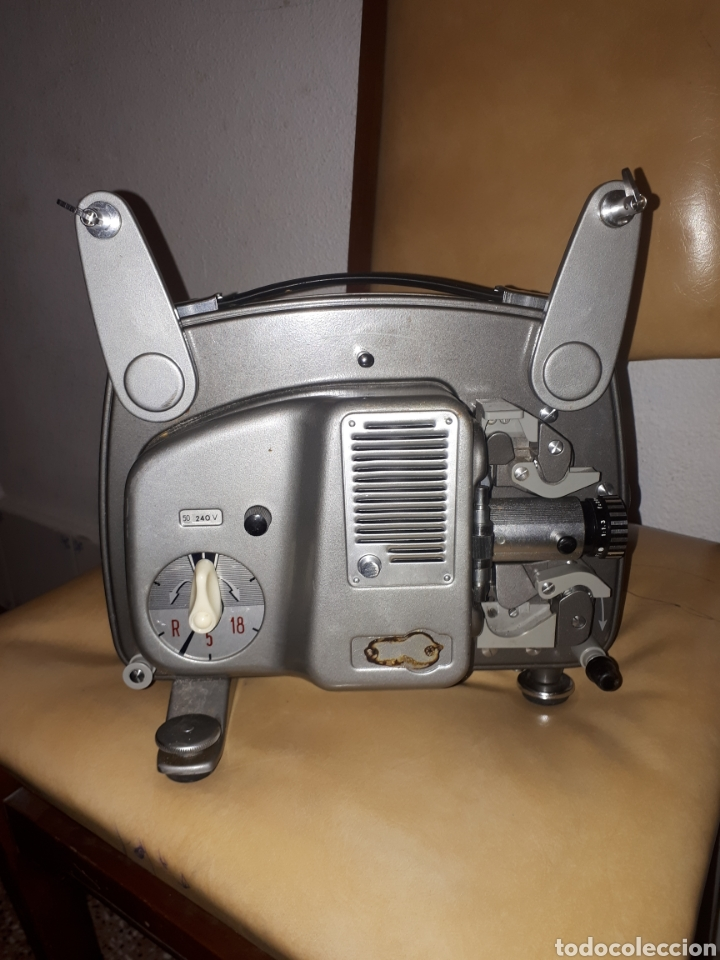 ANTIGUO BOLEX 18/5 DE 8MM PROJECTOR MADE IN SWITZERLNAD (Antigüedades - Técnicas - Aparatos de Cine Antiguo - Cámaras de Super 8 mm Antiguas)