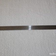 Antigüedades: REGLA DE PRECISION EN ACERO INOXIDABLE - UDDEHOLM - 50 CENTIMETROS. Lote 195032746