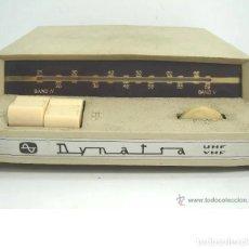 Antigüedades: RARO Y ANTIGUO CONVERTIDOR UHF - DYNATRA PARIS - VHF TV TELEVISION ANTENA - AÑOS 50 60 CON ENCHUFE. Lote 195094333