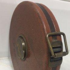 Antigüedades: ANTIGUO METRO INGLÉS CUERO PRINCIPIOS 1900. Lote 195150046