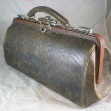 Antigüedades: ANTIGUO MALETIN DE MEDICO - 40CM. Lote 195163503