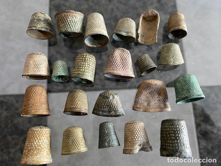 LOTE DE 22 DEDALES MUY ANTIGUOS Y ORIGINALES DE ÉPOCA , PARA CATALOGAR (Antigüedades - Técnicas - Máquinas de Coser Antiguas - Complementos)