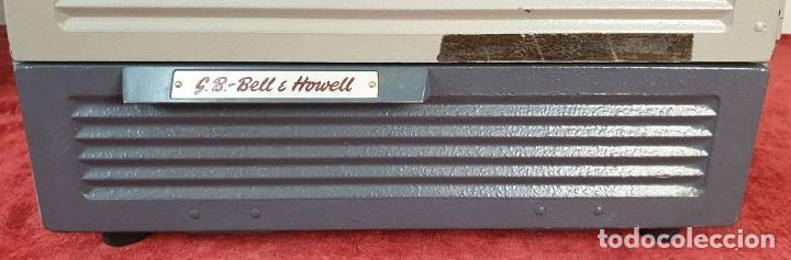 Antigüedades: PROYECTOR DE CINE BELL AND HOWELL. 16 MM. CAJAS ORIGINALES. INGLATERRA. 1950. - Foto 4 - 195271132