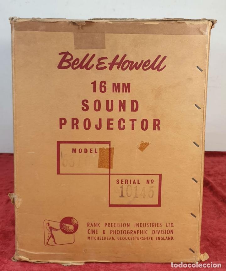 Antigüedades: PROYECTOR DE CINE BELL AND HOWELL. 16 MM. CAJAS ORIGINALES. INGLATERRA. 1950. - Foto 20 - 195271132