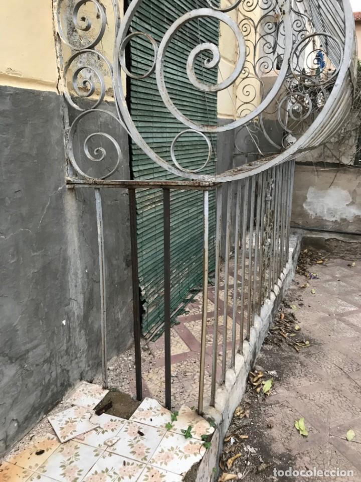 Antigüedades: Espectaculares y únicas, 2 antiguas rejas de Buche en hierro forjado de gran tamaño, Finales del XIX - Foto 7 - 195275703