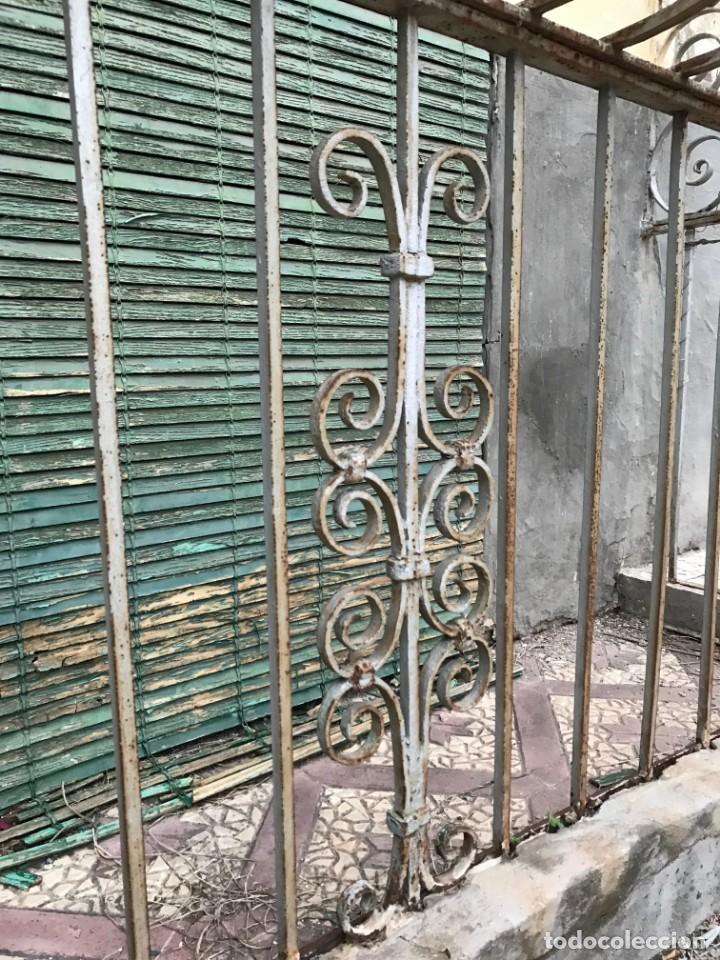 Antigüedades: Espectaculares y únicas, 2 antiguas rejas de Buche en hierro forjado de gran tamaño, Finales del XIX - Foto 21 - 195275703