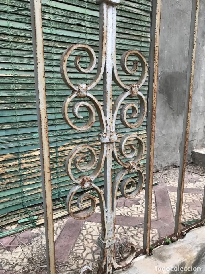 Antigüedades: Espectaculares y únicas, 2 antiguas rejas de Buche en hierro forjado de gran tamaño, Finales del XIX - Foto 23 - 195275703