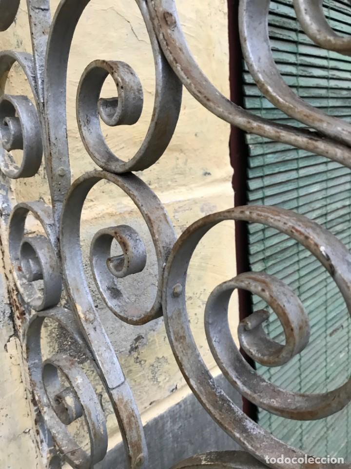 Antigüedades: Espectaculares y únicas, 2 antiguas rejas de Buche en hierro forjado de gran tamaño, Finales del XIX - Foto 28 - 195275703