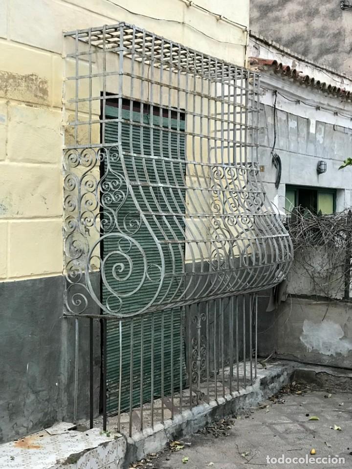 Antigüedades: Espectaculares y únicas, 2 antiguas rejas de Buche en hierro forjado de gran tamaño, Finales del XIX - Foto 35 - 195275703