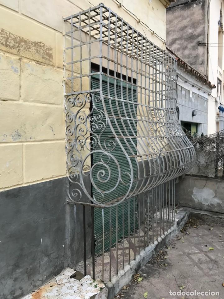 Antigüedades: Espectaculares y únicas, 2 antiguas rejas de Buche en hierro forjado de gran tamaño, Finales del XIX - Foto 36 - 195275703