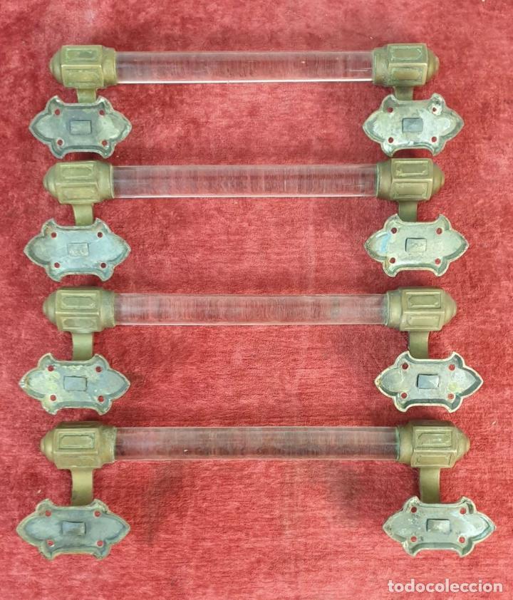 Antigüedades: 4 TIRADORES DE PUERTA. BARRA DE CRISTAL. SOPORTES DE BRONCE. SIGLO XIX-XX. - Foto 8 - 195278078