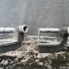Antigüedades: 2 PLANCHAS DE CHIMENEA DE HIERRO FUNDIDO. Lote 195292067
