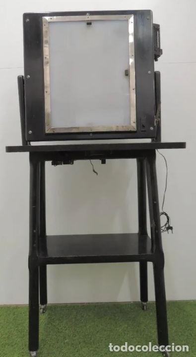 Antigüedades: Negatoscopio de los años 50 en mueble de madera. Espectacular aparato médico para visualizar las rad - Foto 3 - 195303130