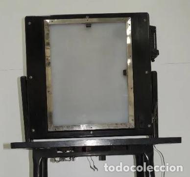 Antigüedades: Negatoscopio de los años 50 en mueble de madera. Espectacular aparato médico para visualizar las rad - Foto 4 - 195303130