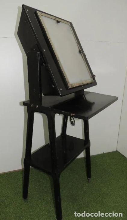 Antigüedades: Negatoscopio de los años 50 en mueble de madera. Espectacular aparato médico para visualizar las rad - Foto 6 - 195303130