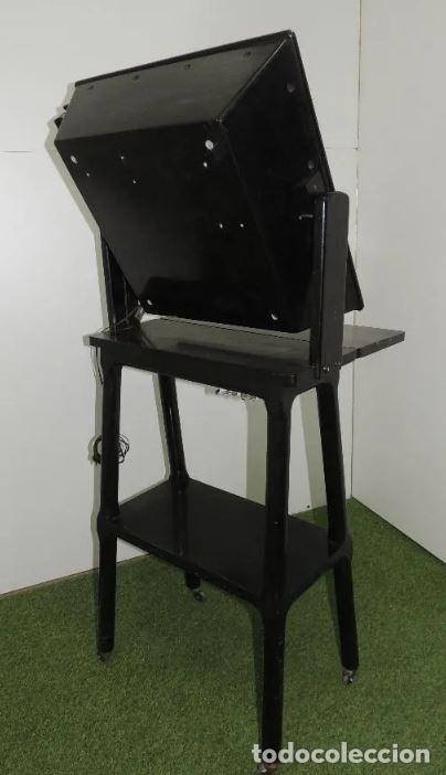 Antigüedades: Negatoscopio de los años 50 en mueble de madera. Espectacular aparato médico para visualizar las rad - Foto 7 - 195303130