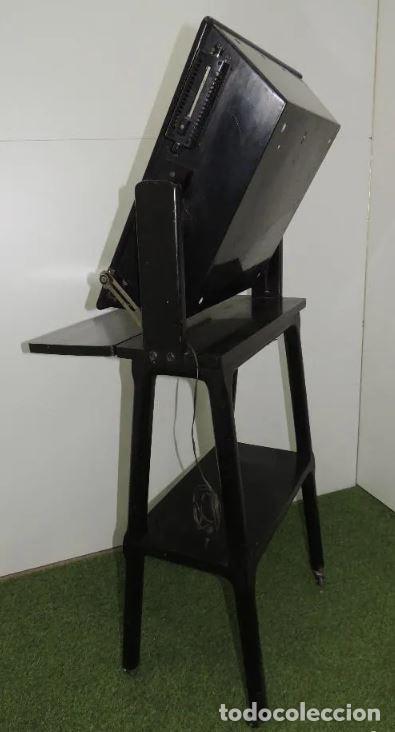 Antigüedades: Negatoscopio de los años 50 en mueble de madera. Espectacular aparato médico para visualizar las rad - Foto 8 - 195303130