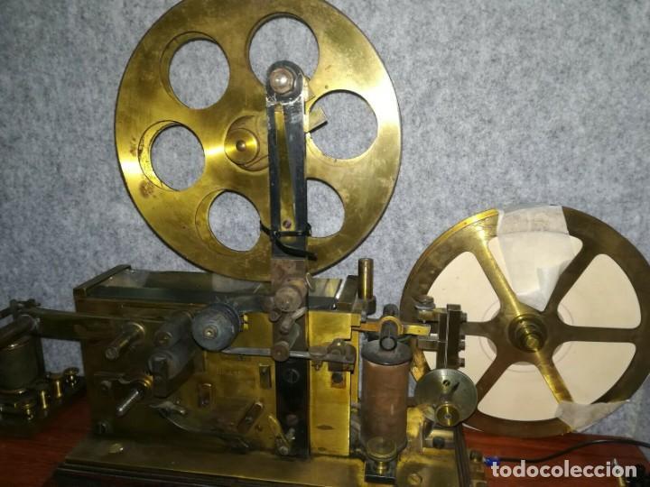 Antigüedades: Telégrafo centenario. Receptor morse. Impresionante aparato. Incluye su pulsador original. - Foto 2 - 195304433