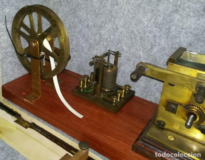 Antigüedades: Telégrafo centenario. Receptor morse. Impresionante aparato. Incluye su pulsador original. - Foto 3 - 195304433