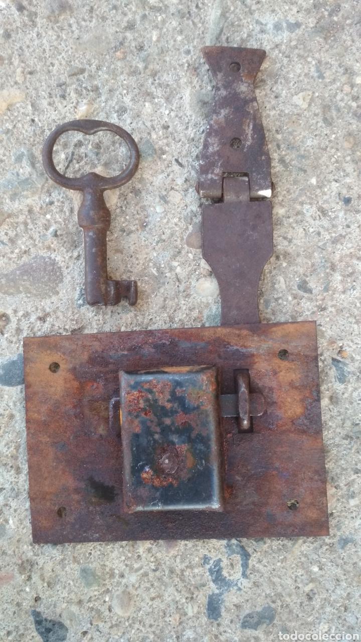 Antigüedades: Cerradura antigua de arca. - Foto 2 - 195327851