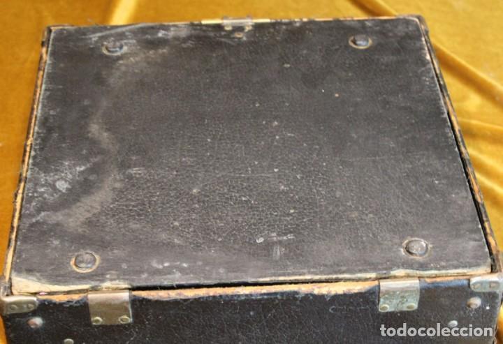 Antigüedades: Máquina de escribir Remington Portable 5T, funciona,completa y con maletín original - Foto 8 - 195331478