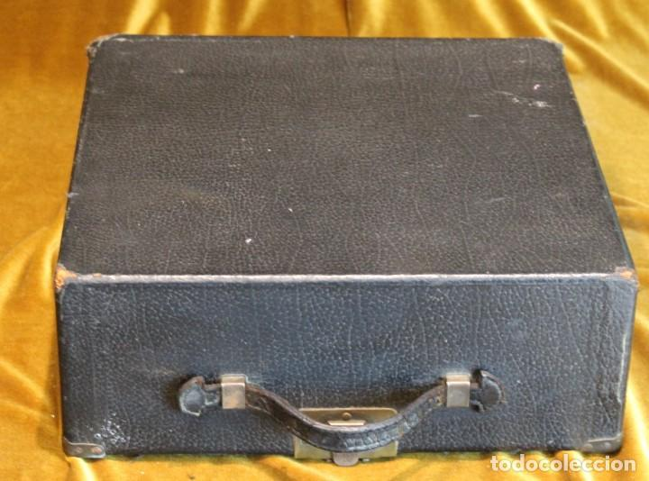 Antigüedades: Máquina de escribir Remington Portable 5T, funciona,completa y con maletín original - Foto 10 - 195331478