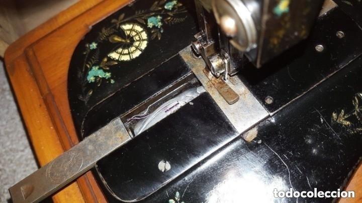 Antigüedades: Máquina de coser Singer antigua y rara modelo 12K Violin.año 1888 - clavel otomano - Foto 6 - 195338201