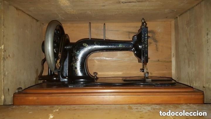 Antigüedades: Máquina de coser Singer antigua y rara modelo 12K Violin.año 1888 - clavel otomano - Foto 12 - 195338201