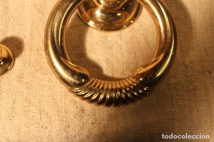 Antigüedades: tirador picaporte aldaba de bronce - Foto 2 - 195403290