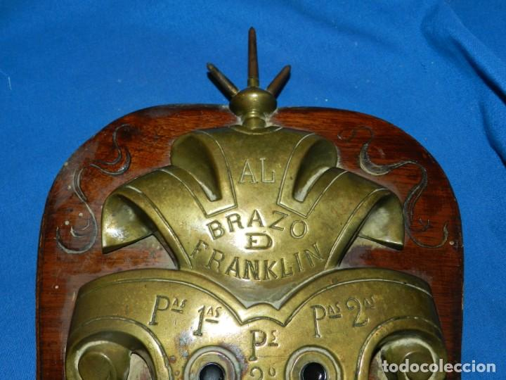 Antigüedades: (M) ANTIGUO INTERFONO MODERNISTA DE ÉPOCA DE BRONCE AL BRAZO DE FRANKLIN, 50X26CM - Foto 5 - 195404281