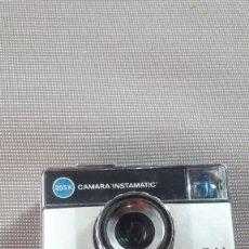 Antigüedades: CAMARA KODAK INSTAMATIC 25. Lote 195434841