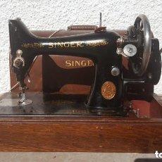 Antigüedades: MAQUINA DE COSER ANTIGUA SINGER 1927 COSE BIEN. Lote 195435242