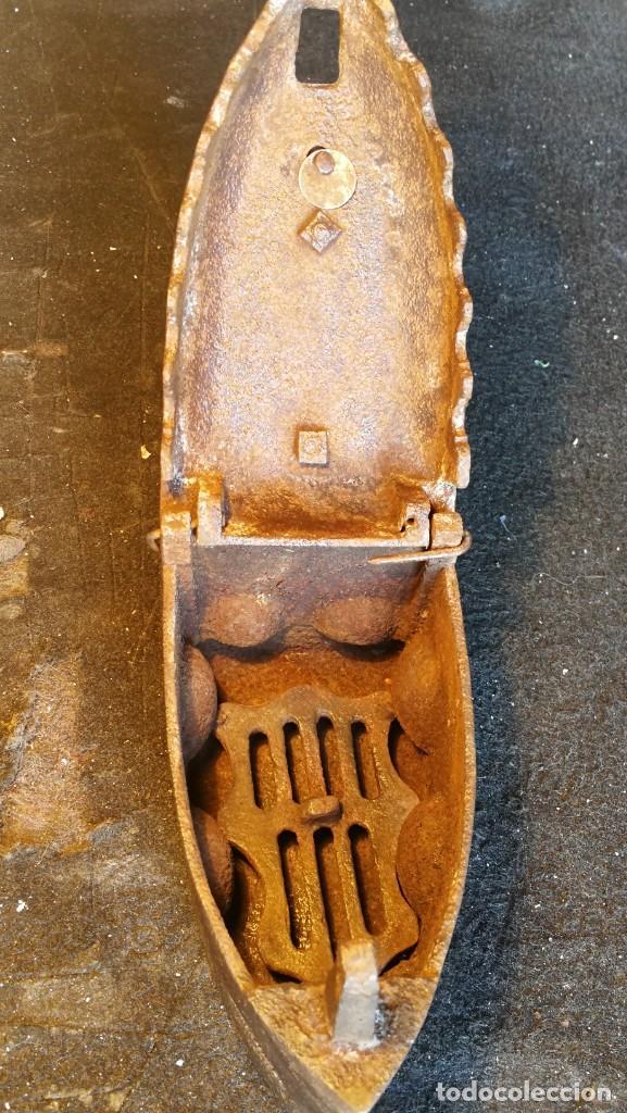 Antigüedades: PLANCHA DE CARBON SIGLO XIX , BUEN ESTADO, MODELO POCO COMUN - Foto 6 - 133306222