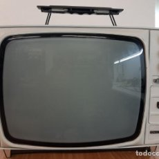 Antigüedades: TELEVISRO PHILIPS B/N 12 PULGADAS. FUNCIONA CORRECTAMENTE CON ENTRADA DE VIDEO PAL. Lote 195465441