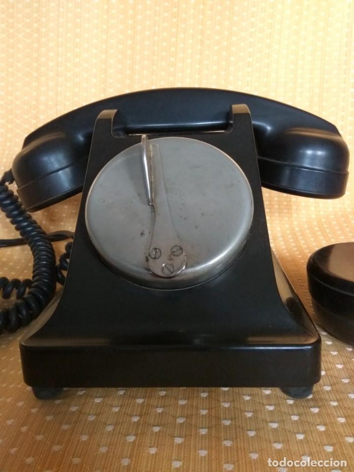 TELÉFONO DE MESA FRANCÉS DE BAQUELITA, AÑO 1961, CON AURICULAR SUPLEMENTARIO (Antigüedades - Técnicas - Teléfonos Antiguos)