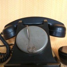 Teléfonos: TELÉFONO DE MESA FRANCÉS DE BAQUELITA, AÑO 1961, CON AURICULAR SUPLEMENTARIO. Lote 195494370