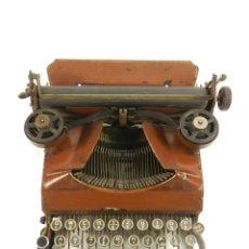 Antigüedades: MAQUINA DE ESCRIBIR SENTA AÑO 1912 COLOR MARRON TYPEWRITER SCHREIBMASCHINE. Lote 195512236