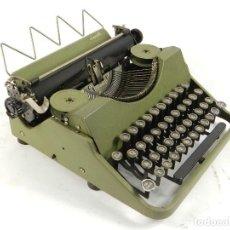 Antigüedades: MAQUINA DE ESCRIBIR QUICK COLOR VERDE AÑO 1950 TYPEWRITER SCHREIBMASCHINE. Lote 195513356