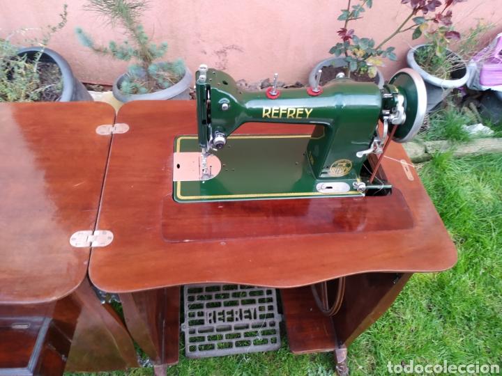 Antigüedades: Maquina de coser Refrey , con mueble precioso - Foto 3 - 195529665