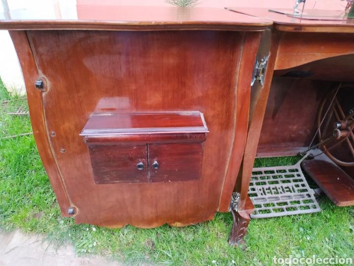 Antigüedades: Maquina de coser Refrey , con mueble precioso - Foto 5 - 195529665
