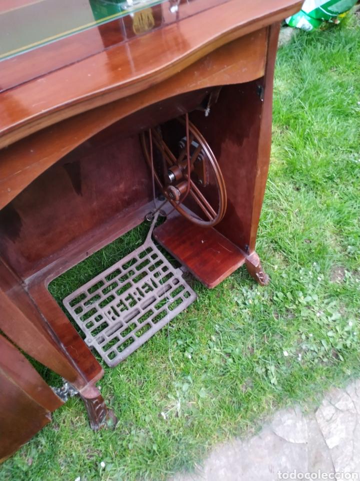 Antigüedades: Maquina de coser Refrey , con mueble precioso - Foto 17 - 195529665