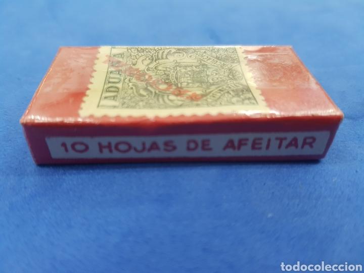Antigüedades: La Montserrat caja de 10 hojas de afeitar - Foto 3 - 195538425