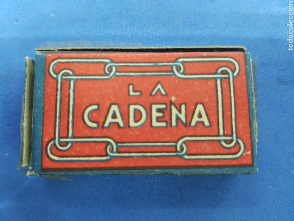LA CADENA ,CAJA DE 10 HOJAS DE AFEITAR (Antigüedades - Técnicas - Barbería - Hojas de Afeitar Antiguas)