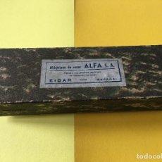 Antigüedades: ANTIGUA CAJA DE CARTON DE MAQUINAS DE COSER ALFA S.A. EIBAR AÑOS 40-50. Lote 195615597
