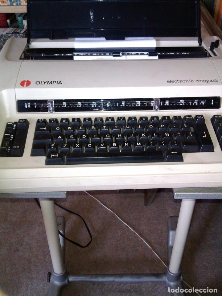 Antigüedades: Máquina de escribir OLYMPIA ELECTRONIC COMPACT - Foto 4 - 195662138