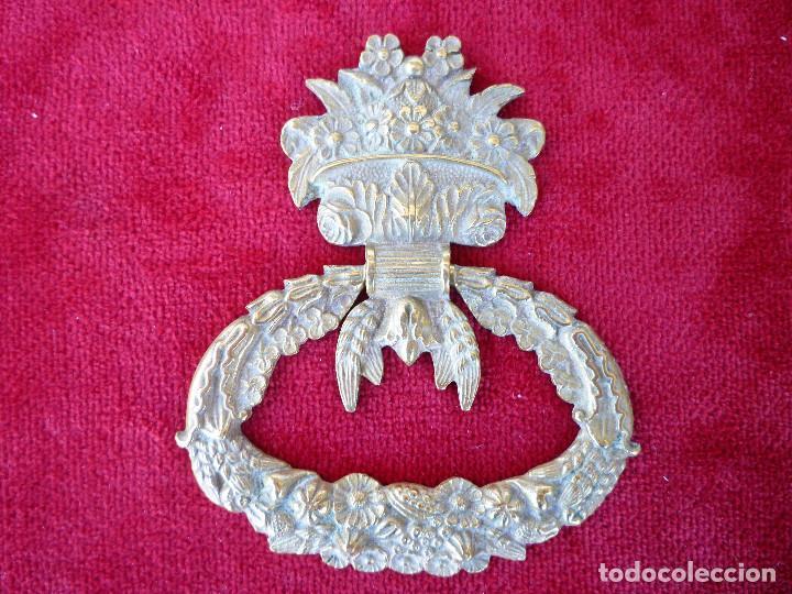 Antigüedades: TIRADOR EN BRONCE ART NOUVEAU DE DOS PIEZAS PARA RESTAURAR MUEBLE ESPECIAL.- PIEZAS UNICAS. - Foto 2 - 195724486