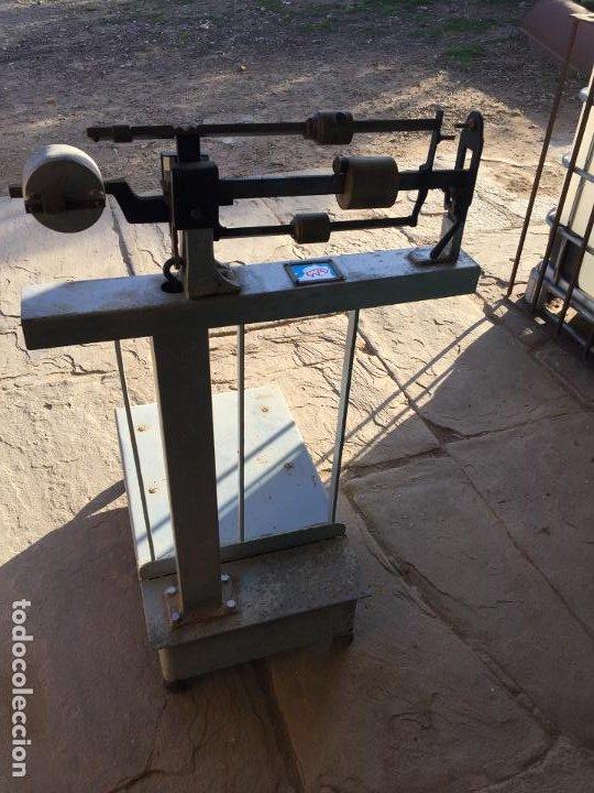Antigüedades: Antigua báscula / balanza de hierro y latón marca Bam años 50 - Foto 19 - 195916021