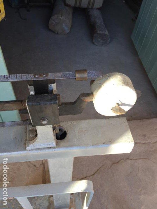 Antigüedades: Antigua báscula / balanza de hierro y latón marca Bam años 50 - Foto 24 - 195916021