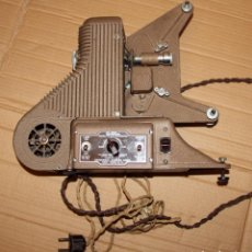 Antigüedades: ANTIGUO PROYECTOR CINE 8MM MODEL PC-500 8MM PROJECTOR UNIVERSAL CAMERA CORP NEW YORK. Lote 195947662